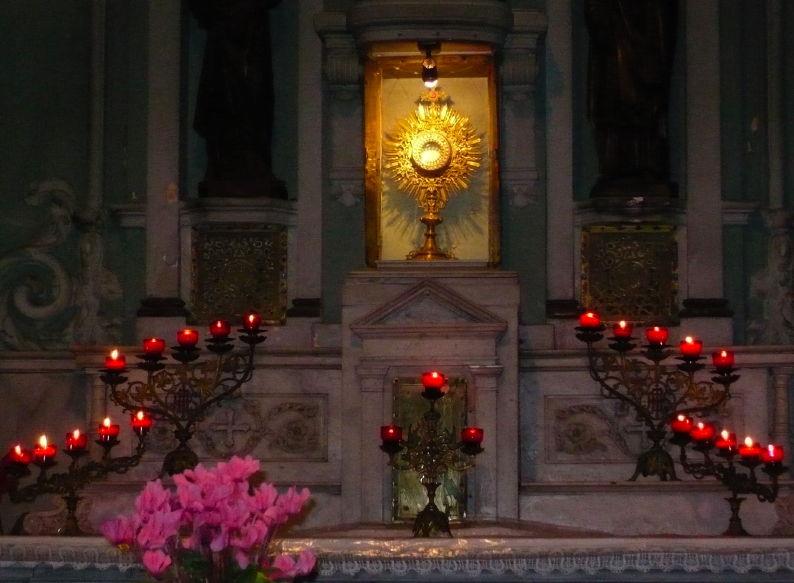 Les péchés contre le Saint-Sacrement et la nécessité d'une croisade de réparation eucharistique