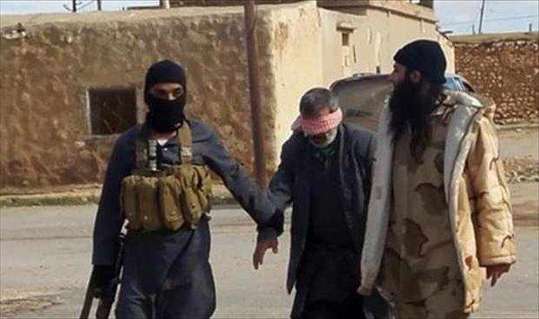 Un prêtre irakien traité par la religion de paix d'amour