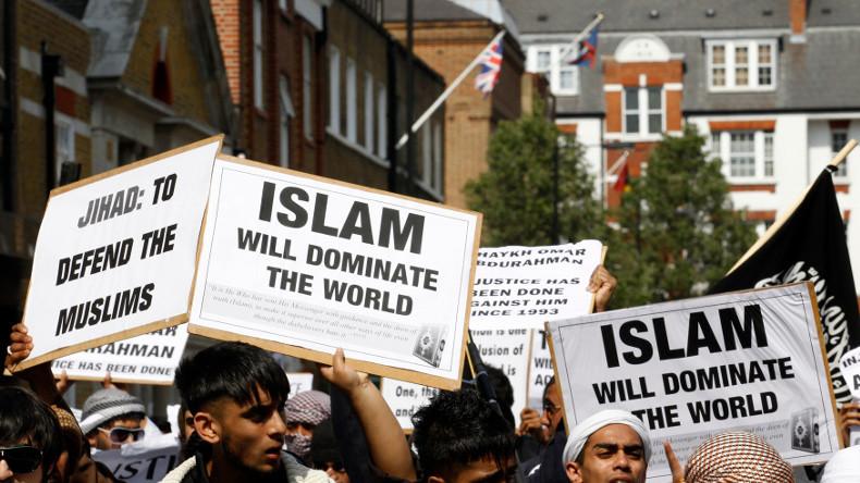 «Faites semblant d'être chrétiens» : Daesh publie un manuel destiné aux djihadistes européens