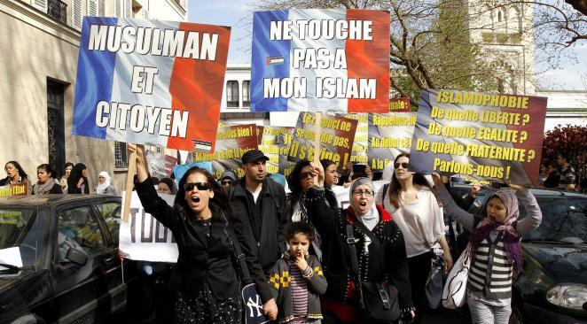 Histoire de l'islamisation française 1979-2019