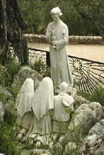 Fatima-3appAngeStatue
