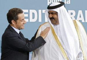 France's President Nicolas Sarkozy (L) greets Qatar's Emir Sheikh Hamad bin Khalifa al-Thani upon his arrival at the EU-Mediterranean summit in Paris July 13, 2008. Some 43 heads of state and government are attending the French-inspired summit intended to revitalize cooperation between the European Union and Mediterranean countries. REUTERS/Charles Platiau (FRANCE)
